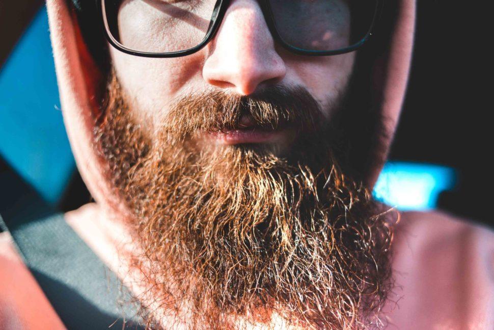Por qué nos sale barba