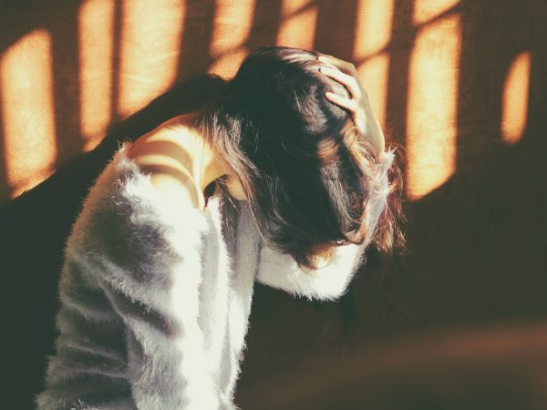 ¿Por qué sucede el dolor de pelo?