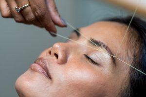¿Es perjudicial la depilación de cejas?