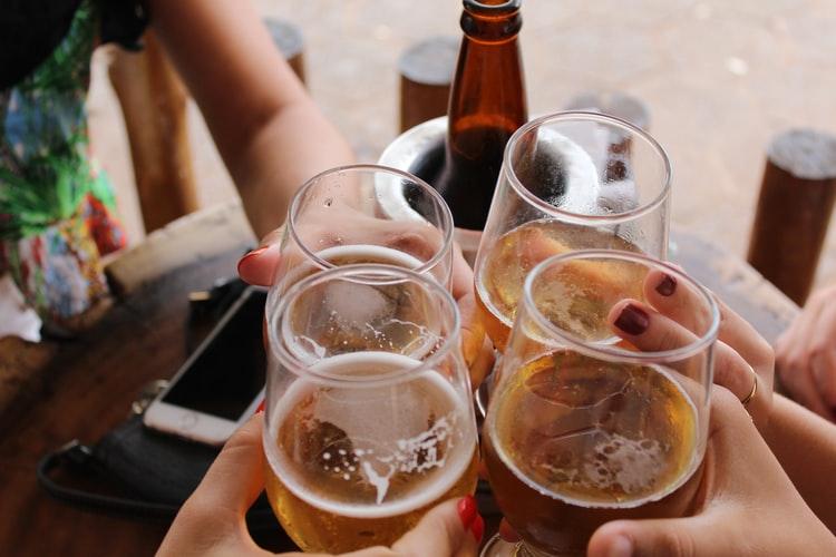 ¿Cuándo se puede beber alcohol después de un injerto capilar?