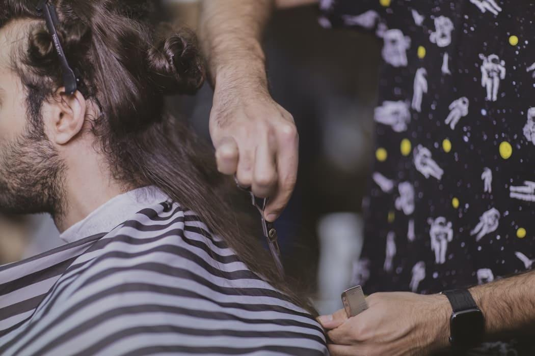 Cómo hay que cortar el pelo dependiendo de la zona tras un implante