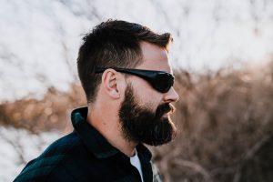 ¿Por qué aparece caspa en la barba?