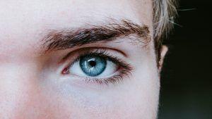 Diferencias entre el microblading y el injerto de cejas
